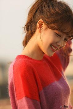 """""""Cô tiên dọn dẹp"""" đốn tim fan bằng loạt ảnh hậu trường xinh như thiên thần - Topsao Female Actresses, Korean Actresses, Korean Actors, Actors & Actresses, Korean Idols, Jung So Min, Korean Celebrities, Hollywood Celebrities, Korean Beauty"""
