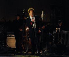 Bob Dylan actuando en un show con David Letterman, el 19 de mayo de 2015.