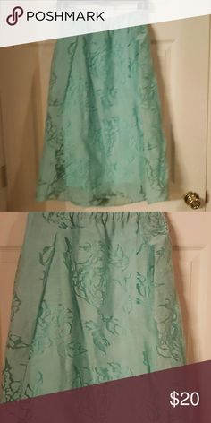 Lane Bryant plus size linen skirt Pretty layered skirt with see through flower design. Size 18/20 with elastic waistband Lane Bryant Skirts A-Line or Full