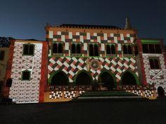 Video mapping no Palácio Nacional de Sintra, durante o Aura Festival, evento de luzes que acontece em Sintra, vila próxima à Lisboa, Portugal!