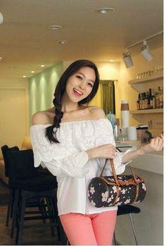Free Shipping 2013 Women Korean Sweet Vestidos Ruffle White Lace Cutout Crochet Long Sleeve Off Shoulder Tops for Women Fashion $19.58