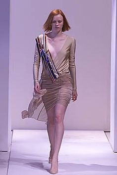 Callaghan Spring 2001 Ready-to-Wear Collection Photos - Vogue Ready To Wear, Fashion Show, Runway, Vogue, Spring, Model, Nicolas Ghesquiere, How To Wear, Beauty