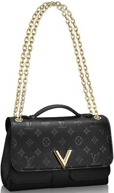 Ladies, take a deep breath and calm your nerves, as Louis Vuitton's Very Bag Collection is here to tickle your luxury bag fancies. We know it's hard not to throw into a tizzy but you gotta collect … Vuitton Bag, Louis Vuitton Handbags, Purses And Handbags, Beautiful Handbags, Beautiful Bags, Fashion Handbags, Fashion Bags, Chanel, Best Bags