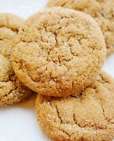 BEST Soft Gingerbread Cookies: Christmas Cookie Exchange - Made To Be A Momma. These were delicious! Ginger Bread Cookies Recipe, Yummy Cookies, Cookie Recipes, Dessert Recipes, Soft Ginger Cookies, Molasses Cookies, Just Desserts, Delicious Desserts, Yummy Food