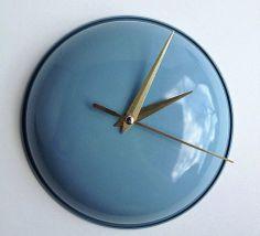 DIY cute clock from a repurposed pot lid and old clock