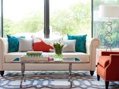 sofa blanco cojines colores