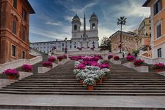 There's nothing like seeing the Spanish Steps Rome Italy covered in azaleas in spring. Rome Attractions, Tourist Trap, Rare Pictures, Best Places To Eat, Rome Italy, Vatican, Where To Go, The Good Place, The Neighbourhood