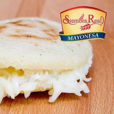 La #arepa no puede faltar en la mesa del #Venezolano, disfrútala día a día con el sabor de la #MayonesaSiembraReal Disfruta, Comparte, Es; Cremosa, Deliciosa y Versátil!