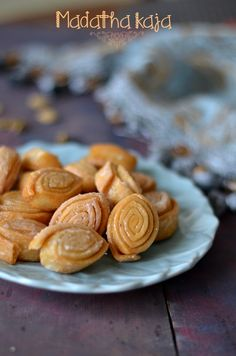 Indian Dessert Recipes, Indian Sweets, Indian Snacks, Vegetarian Rice Recipes, Savory Snacks, Almond, Cookies, Sweet Stuff, Food