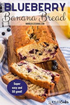 This Blueberry Banana Bread has a crisp and crunchy crust, with a soft center and is loaded with blueberries for a pop of color and juicy flavor! Best Breakfast Recipes, Savory Breakfast, Breakfast Cake, Best Dessert Recipes, Breakfast Buffet, Sweets Recipes, Brunch Recipes, Snack Recipes, Best Homemade Bread Recipe