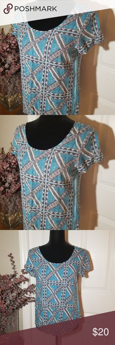 """LUCKY BRAND CUTE BLUE TOP SIZE S Pre-owned but in great condition! No flaws.  Blue color with an X pattern   Length: 24"""" Bust: 18"""" Width: 17.5""""  Peter Dunham by Lucky Brand Lucky Brand Tops"""