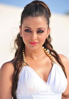 http://cdn.koimoi.com/wp-content/new-galleries/2011/03/Aishwarya-Rai.jpg