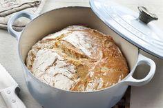 Her har du en deilig oppskrift på eltefritt brød i gryte. Chef Recipes, Bread Recipes, Healthy Recipes, Healthy Food, No Knead Bread, Scones, French Toast, Food Porn, Food And Drink
