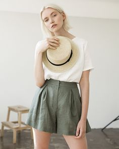 Linen Shorts Linen Shorts for Woman Laundered Linen Shorts Linen Shorts Skirt Green Moss Linen Shorts for Woman High Waist Shorts by LinenHandmadeStudio Shorts Style, Short Outfits, Summer Outfits, Summer Dresses, Look Fashion, Fashion Outfits, Fashion Shorts, Cheap Fashion, Feminine Fashion