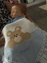 Resultado de imagem para cobertinha de bebe em patch aplique