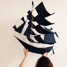Get carried awaywith our SUPER sailing ship kites. Intricately hand-crafted by artisans in Bali, each indigo-colored kite is a functional work of art.With 4 t