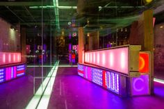 hans kotter explores the infinite quality of space with light