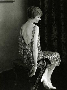 ↢ Bygone Beauties ↣ Vintage photograph of 1924 beauty