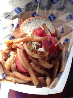 The Double Clutch Menu Item for the #MILvsPIT series is the Primanti Brothers Style Sandwich! #Brewers  http://brewers.mlblogs.com/2014/08/22/double-clutch-menu-item-for-pirates-series-primanti-brothers-style-sandwich-2/