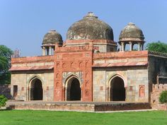 Isa Khan's mosque, across his tomb, also built ca 1547 CE, near Humayun's tomb.