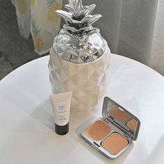 @amoureusment_mode se serre de son ananas déco BABOU à 9€ pour ranger ces petits maquillages.