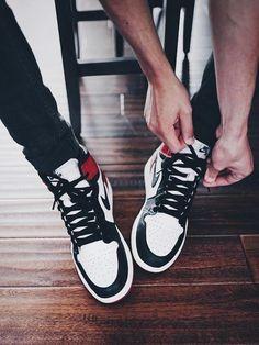 Nike Air Jordan 1 Retro 'Black Toe' (by. – Nike Air Jordan 1 Retro 'Black Toe' (by cjsmithh__) Sneakers Mode, Sneakers Fashion, Fashion Shoes, Men Sneakers, Nike Air Jordans, Zapatillas Jordan Retro, Moda Nike, Basket Style, Black Toe