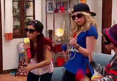 Rap time con Sam e Cat Ariana Grande Cat, Ariana Grande Dangerous Woman, Sam E Cat, Cat Valentine Outfits, Icarly And Victorious, Dancing Cat, Jennette Mccurdy, Girl Meets World, Old Tv