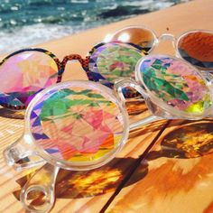 iFLYER: オシャレに遊べ!海外セレブに大人気 万華鏡の世界が広がる「カレイドスコープサングラス」日本上陸!