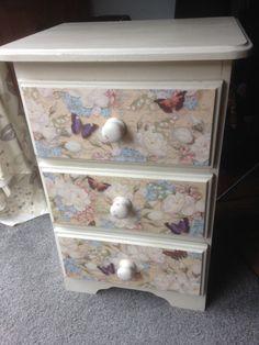 Butterfly bedside cabinet