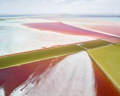 http://www.journal-du-design.fr/art/salt-fields-plottings-et-extracts-sublime-serie-photographique-de-david-burdeny-84636/