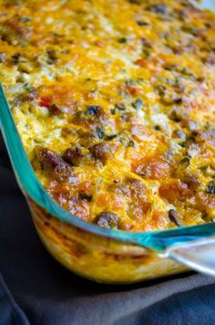 Fireman's Overnight Breakfast Casserole With Country Gravy If you're searching for a hearty and delicious dish that will feed a hungry crowd for breakfast and that doesn't require you waking before the sun to get it on the table in time, your Breakfast And Brunch, Breakfast Bake, Breakfast Items, Breakfast Dishes, Breakfast Recipes, Country Breakfast, Sausage Breakfast, Breakfast Casseroles With Hashbrowns, Breakfast Gravy