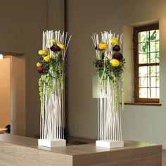 Moderne bloemstukken voor bij de uitvaartceremonie | Meer inspiratie en ideeën voor een persoonlijke invulling van de uitvaart vind je op http://www.rememberme.nl/