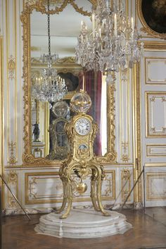 The King's interior apartments - Palace of Versailles:  the Clock Room containing the clock made for Louis XVI by Passemant, Dauthiau and Caffieri