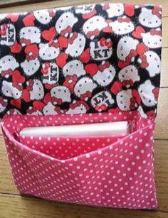 簡単♪仕切りのあるポーチ(ケース)の作り方 めいびおばちゃんの手作り雑貨 Diy Handbag, Japanese Fabric, Handicraft, Diaper Bag, Needlework, Diy And Crafts, Easy Diy, Lunch Box, Wraps