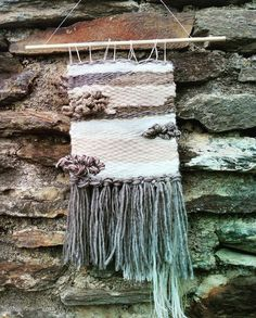 Nouveau tissage, dans les tons beige et marron, à retrouver sur mon shop Etsy #wallart #weaving #homedecor #tapestry #decoration #decorationmurale