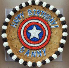 Captain America's shield cookie cake. Cookie Cake Designs, Cookie Cakes, Cookie Frosting, Cupcake Cakes, Cookie Ideas, Valentine Cookies, Easter Cookies, Sugar Cookies, Christmas Cookies