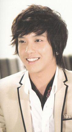 Jung Yong-hwa as Kang Shin Woo  - Sweet!