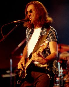 Geddy Lee Rush Concert, Rush Band, Geddy Lee, Classic Rock Bands, Greatest Rock Bands, Music Pics, Great Bands, Rock Music, Picture Photo