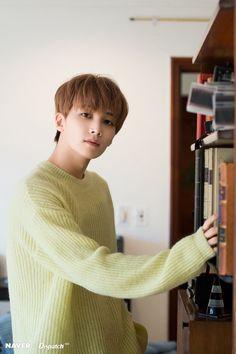 Jeonghan is very hoteu Woozi, Wonwoo, Seungkwan, Hip Hop, Vernon, Seoul, Choi Hansol, Jeonghan Seventeen, Adore U