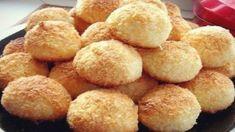 Milujete kokos? Nechce sa vám vyťahovať všetko kuchynské náčinie? Máte chuť na niečo dobré? Tak tu máme recept priamo pre vás! Na tieto skvelé kokosové guľky nepotrebujete, ani maslo, ani mlieko a dokonca ani vodu. Potrebujete len 3 suroviny a 25 minút. Sú úžasné a pripravíte ich v rekordnom č