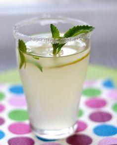 Když mám chuť......: .....vylouhuju bezinkovou limonádu