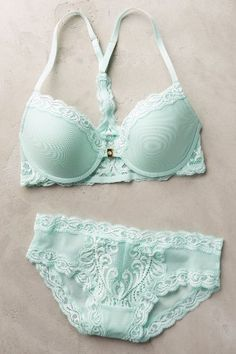 Natori Feathers Hipsters #anthrofave