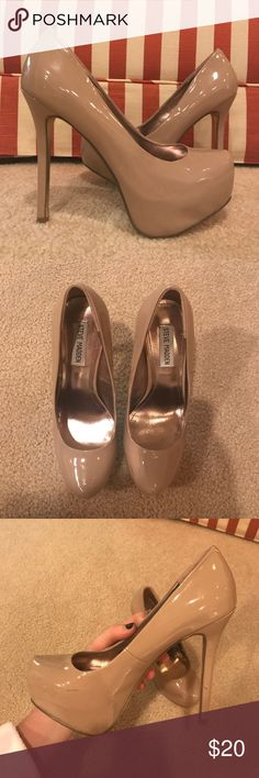 Steve Madden Nude Pumps Only worn a few times. A few scuffs, but overall in really good condition. Size 7.5! Steve Madden Shoes Heels