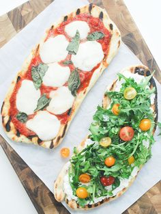 Grilled Pizza & Two Ways! Grilled Pizza- Two Ways! Classic pizza margarita and ricotta with fresh arugula and mini heirloom tomatoes. Summer Grilling Recipes, Summer Recipes, Great Recipes, Favorite Recipes, Barbecue Recipes, Barbecue Sauce, Fall Recipes, New Pizza, Good Pizza