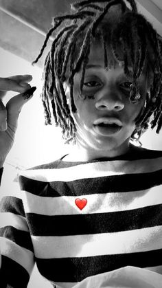 Sick Trippie Redd Wallpaper fit perfectly for iPhone 11 and newer versions of Andriod phones. Trippie Redd, Hip Hop Playlist, Dope Wallpapers, Aesthetic Wallpapers, Rap Wallpaper, Best Rapper, Travis Scott, Personal Photo, Man Crush