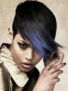 Totally dying for this color! In need of some funky color back in my hair...