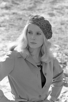 35 Ideas Style Icons French Catherine Deneuve For 2019 Seventies Fashion, Retro Fashion, Vintage Fashion, Fall Fashion, Vintage Style, Parisienne Chic, Catherine Deneuve Young, Catherine Denueve, Photo D Art