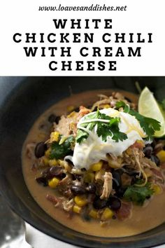 Less than 10 minutes of prep! Simple, perfect, tasty! This easy white chicken chili with cream cheese is the answer to a fast-paced day and a comforting waiting for your dinner!