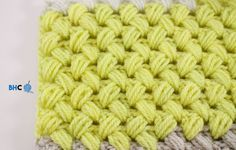 The zig zag puff stitch is the perfect blend of comfort and style. Learn how to crochet the zig zag puff stitch with this easy to follow video tutorial.