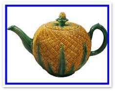English Tea Pot. Majolica